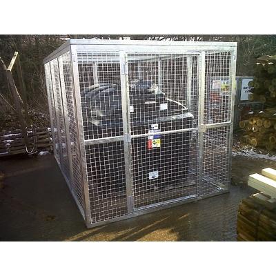 Main mr cage